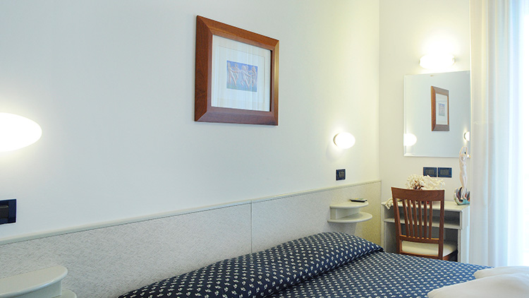 Family hotel rimini 3 stelle camere con box doccia stanze - Box doccia rimini ...