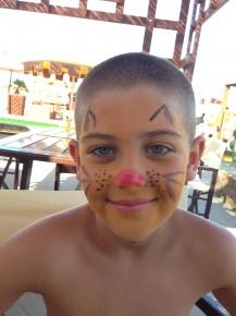 Fra le tante attivitá del Miniclub per bambini, anche il truccabimbi! Tutti in maschera all'hotel City!
