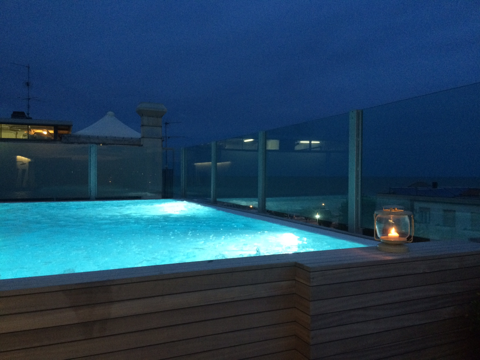 Heated pool open in the evening. For all customers or on request.