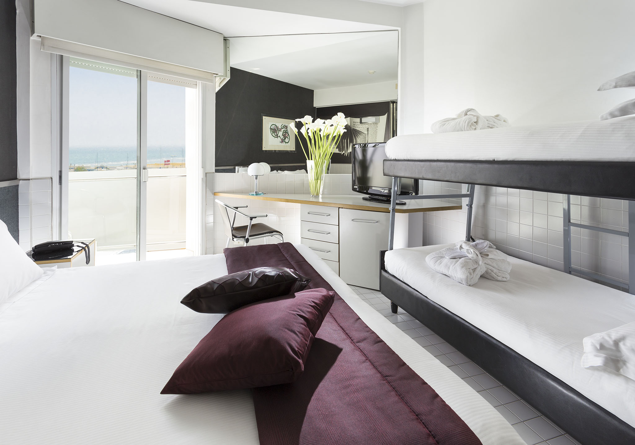 Camera standard vista mare a riccione con balconcino sul lungomare