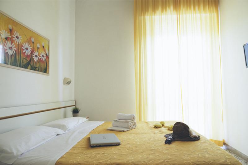 Camere hotel 3 stelle marebello di rimini hotel con aria - Box doccia rimini ...