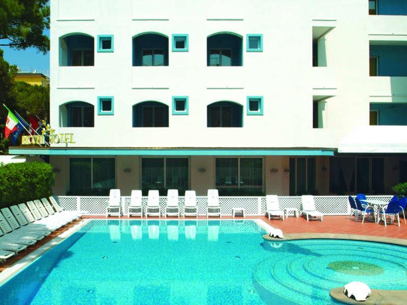 Residence rimini con piscina appartamenti vacanza rimini - Residence rimini con piscina ...